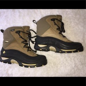 Men's Columbia brand boots size 7.